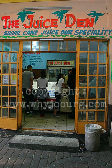 No alcohol is available in Fordsburg, but this juice shop selling freshly squeezed fruit juice, using sugar cane as a base, is very popular!