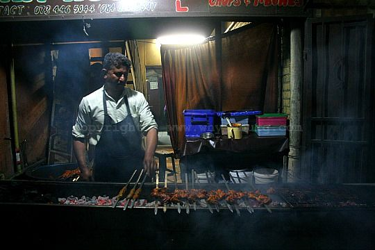 Here's more of that delicious, fire cooked Phelwaan Tikka Chicken in Fordsburg