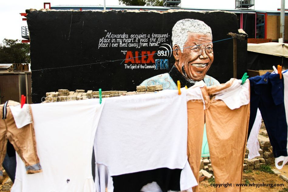 Street art of Neslon Mandela on a house in Alexandra Township, the place that he first lived, after moving to Johannesburg as a youngster.